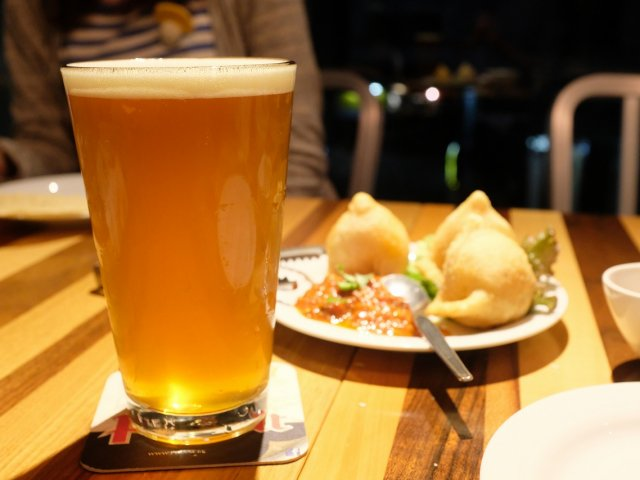 癖になるほどウマい蒸し餃子も!ネパール料理とクラフトビールが呑める店