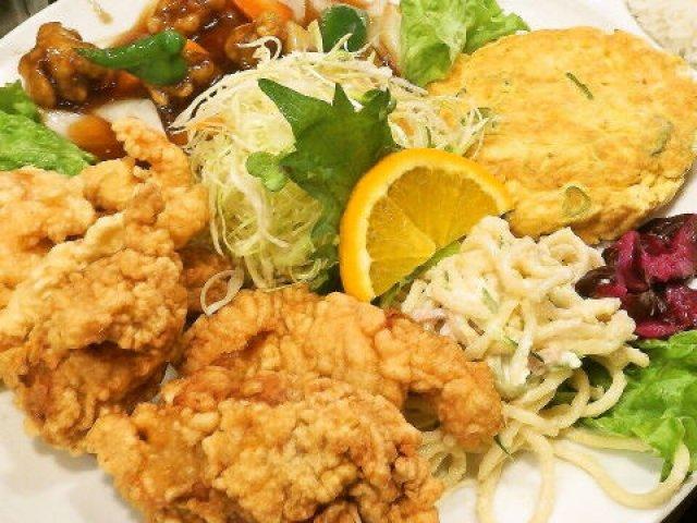言わずと知れた人気店!お皿にいっぱい盛られた満腹必至のお得中華ランチ