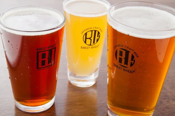 ハッピーアワーがお得!A5和牛やスペアリブが自慢のクラフトビール店