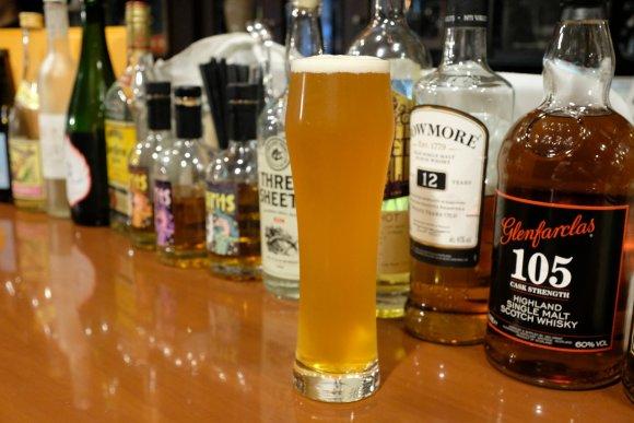 グリーンカレーが絶品!フードの持ち込みもOKなクラフトビールのお店