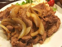 100年以上続く老舗!ガツ盛り定食の名店『菱田屋』の豚肉生姜焼き定食