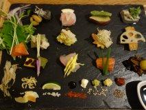 並んででも食べたい!京都で超人気の美しすぎる「手織り寿司」@アウーム