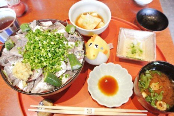 表参道駅近!創業大正10年の人気の老舗で頂く旬の鮮魚ランチ