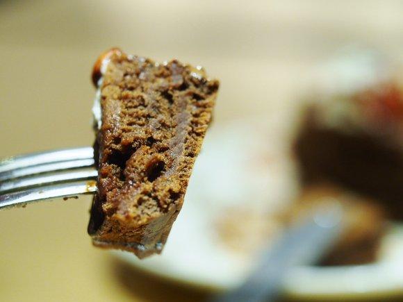 中からチョコが溢れ出す!あのマックスブレナーが初めてパンケーキを発売