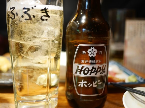 たらふく食べて飲んで二千円強!座りでも立ち飲み価格の人気店