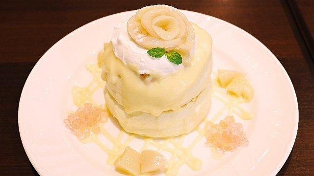桃の薔薇が咲く!ふわふわのパンケーキが人気のお店から美しい限定が登場