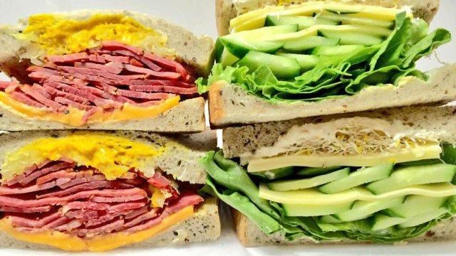 史上最強盛り盛り!圧巻の無限大サンドイッチは食べるべき逸品