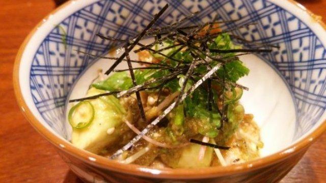 珍しい白い出汁巻も!おまかせ料理で日本酒が進む新橋の隠れ家