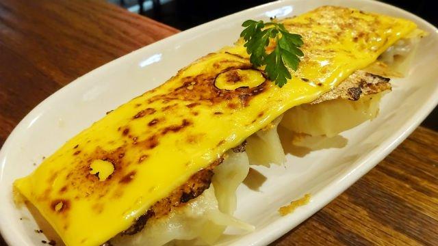 炙りチェダーチーズ焼餃子も!15種のオリジナル餃子が揃う餃子専門バル