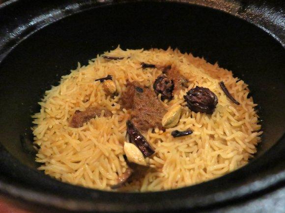 オコゲが想像以上に旨い!鉄鍋で一つ一つ炊き上げるビリヤニが味わえる店