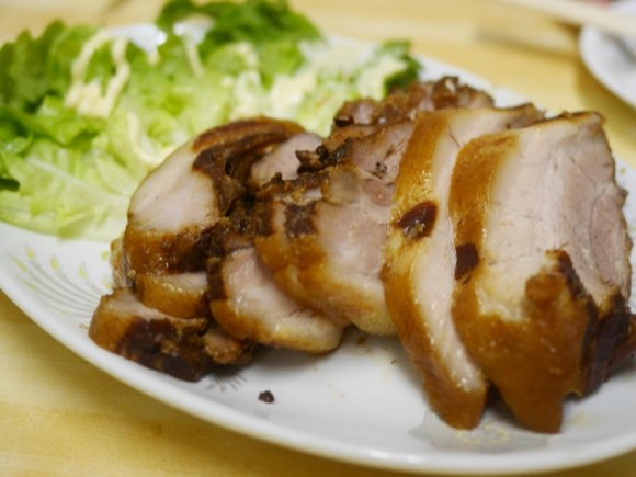 刺身からすき焼きも!お任せコースで楽しむ不思議な中華料理屋
