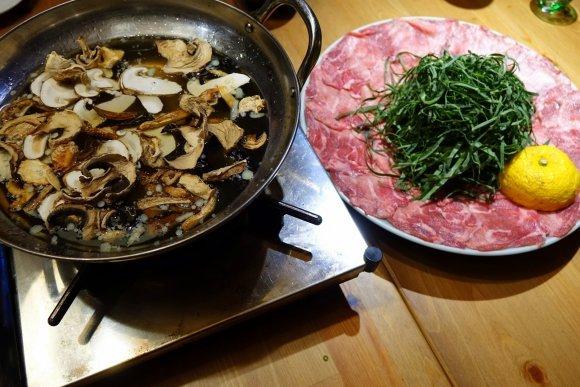 お肉も野菜もたっぷり!都内で美味しい「しゃぶしゃぶ」が味わえる店