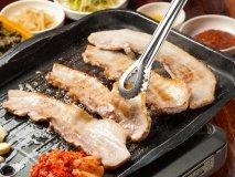 人気のサムギョプサルも!新大久保で韓国料理50種食べ放題が2480円