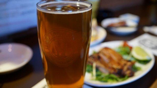 ビールと相性抜群なつまみが豊富!樽生13種が飲める福岡の老舗ビアバー