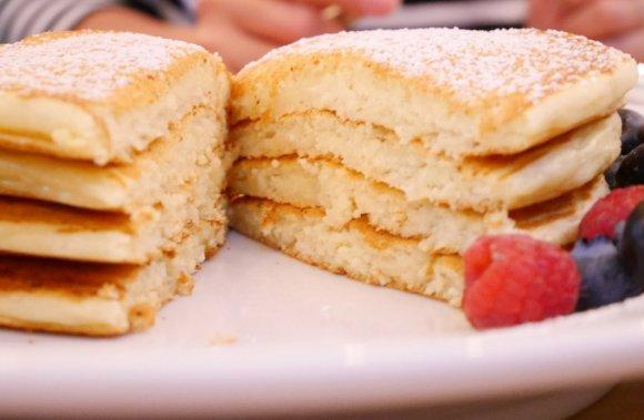 シンプルイズベスト!「生地」が特別美味しいパンケーキ6記事