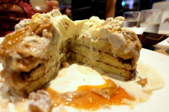 パンケーキに秋到来!超人気店の限定濃厚モンブランパンケーキ