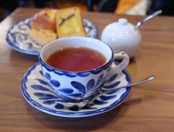 美味しい紅茶にアルコールも!武蔵小杉駅高架下の小さなパンやケーキの店