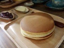 開店後10分のみ注文可!人気カフェで幻のパンケーキを実食!