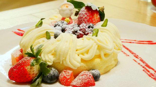 クリスマスを先取り!濃厚クリームチーズの日本限定パンケーキ