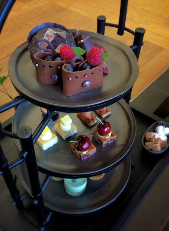靴やバッグがスイーツに!「アマン東京」で頂く贅沢アフタヌーンティー