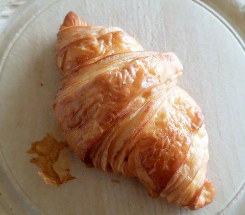 ランチも秀逸!パリ発・日本初出店の行列が絶えない人気パン店