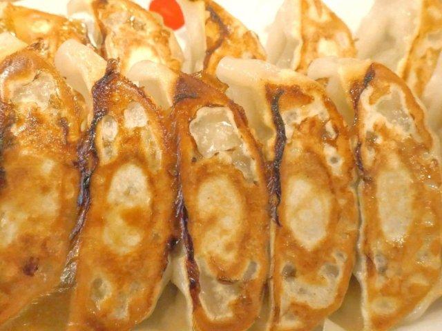 餃子12個つきの定食が690円!神田駅近でお財布に優しく満足できる店