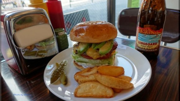 1996年創業の老舗の味も!都内で美味しいハンバーガーが楽しめるお店