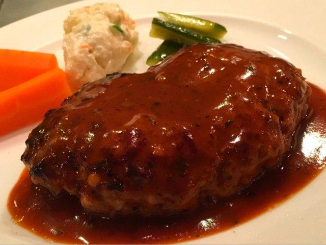 15年以上継ぎ足したソースが絶品!千円台で食べられる神戸牛ハンバーグ
