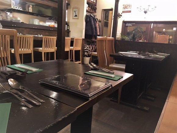 予約困難な人気店!信じられないほど美味しいサバのテリーヌが味わえる店