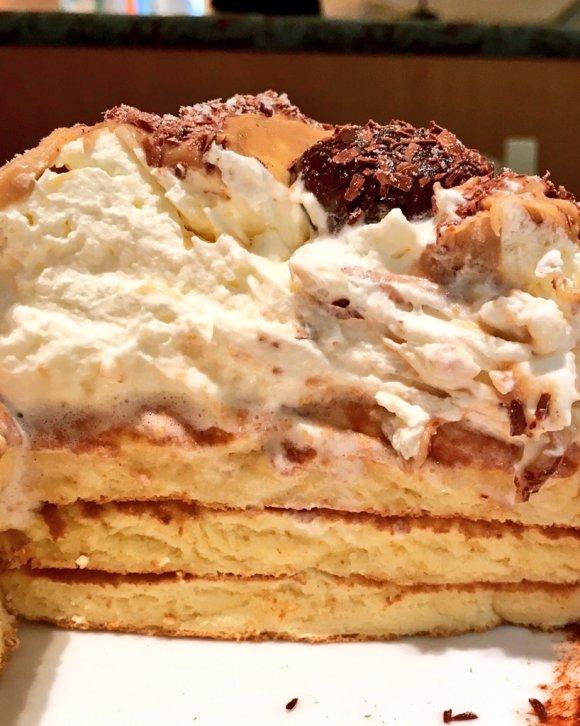 絶対オススメ!ふわふわパンケーキの上に超盛り盛りモンブラン