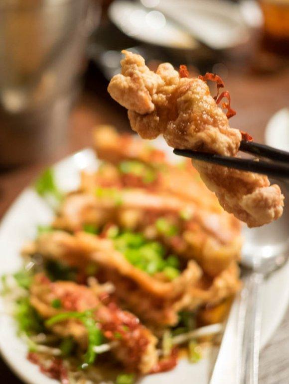 木曜は名物の串焼が100円均一!旨辛スパイシーな中国東北伝統料理の店