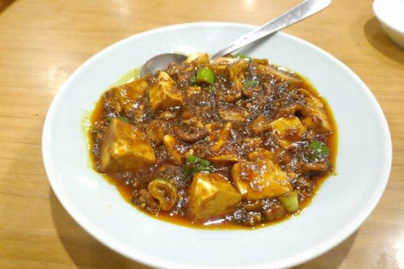 スパイス香る羊肉料理がクセになる!神田「北海」の内モンゴル式中華めし