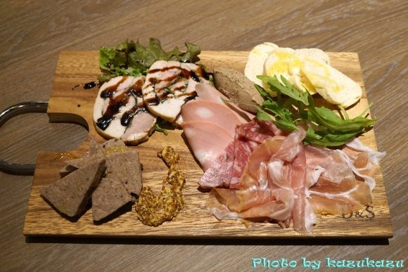 1980円の肉盛りが満足度高すぎ!希少な熟成豚を堪能できるイタリアン
