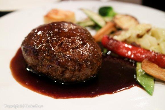 鹿肉のハンバーグも!フレンチレストラン級の料理を手頃に頂けるビストロ
