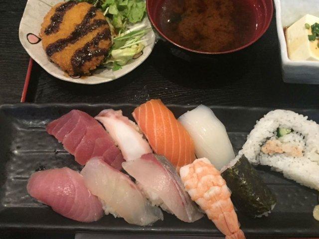 750円でお腹いっぱい!その場で職人さんが握ってくれる本格寿司ランチ