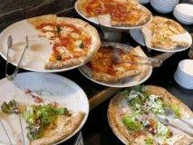 本格ピッツァ食べ放題が1080円!ハズレがない美味さのランチブッフェ