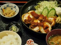 やっぱり日本人は和が一番!旨い定食に和スイーツが味わえる古民家カフェ