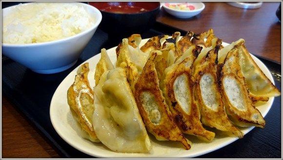 餃子館で無限餃子!1650円・時間制限ナシで餃子食べ放題が楽しめる店