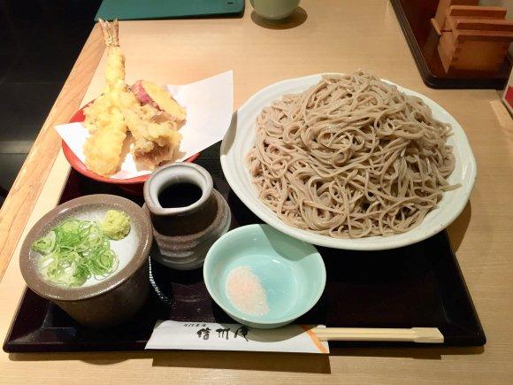 ボリューム満点ざるそば食べ放題!季節の天ぷら付き嬉しい天ざるメニュー