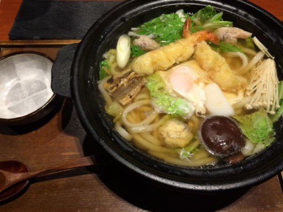 寒い冬ならランチでもOK!新宿で食べられる鍋焼きうどん4選