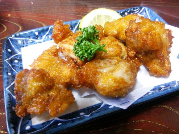 昼飲みの聖地!鯉料理が名物の老舗酒場「まるます家」@赤羽