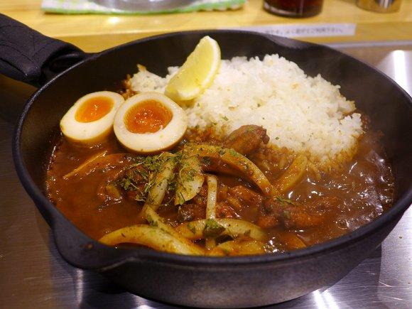 味も使い勝手もパーフェクト!大阪駅前第2ビルで味わえる出汁香るカレー