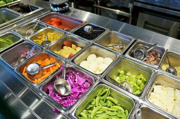 麻布十番で人気のチョップドサラダ専門店が恵比寿にオープン!