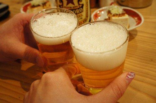 ひとり2000円台で酔える!煮込みともつ焼きが旨い大衆酒場『いなり』