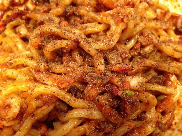 【麻布十番】辛党お勧め!見た目も味も超刺激的な海老辛担々麺