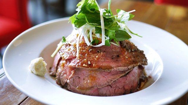 話題のローストビーフ丼を横浜で!肉の旨みが堪能できる2軒 ...