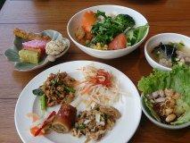 夏の疲れはこれで回復! 都内タイ料理ランチバイキング3選