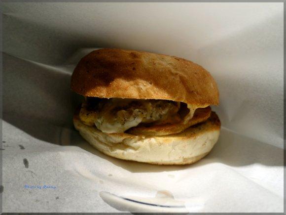 ハンバーガーを瞬間スモーク!?燻製のまったく新しい形を参宮橋で体感!