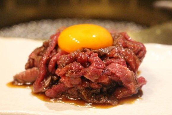 行くしかない!名物「厚切り生タン塩ネギ包み焼き」が1円で試食できる店
