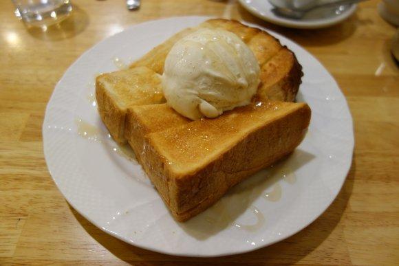 たっぷりバターにとろ~りチーズ!トーストが美味しい京阪神のカフェ5選